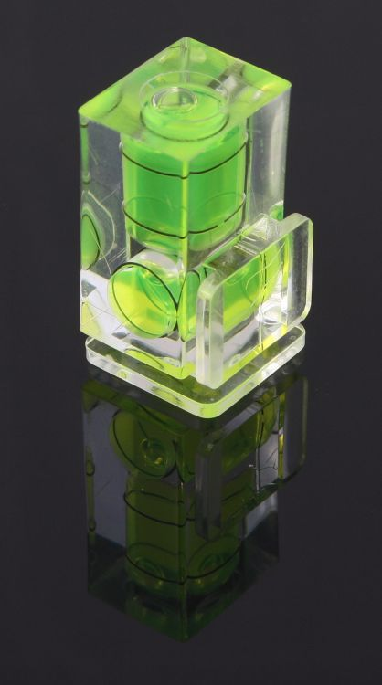 Poziomica 2D na sanki lampy błyskowej