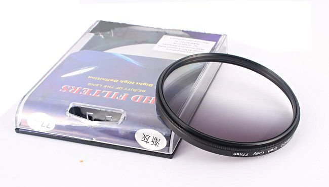 Filtr szary połówkowy NDx4 77mm SELCO