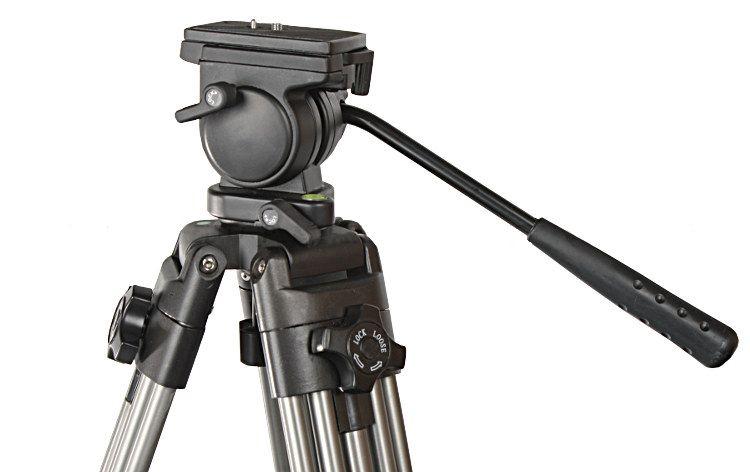 ST-692 - Statyw video 135cm z głowicą olejową